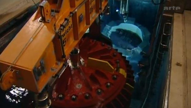 Ein Atomkraftwerk kommt auf den Schrott