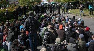 Ermittlungsverfahren gegen NPD-Blockierer eingestellt, Proteste weiterhin kriminialisiert
