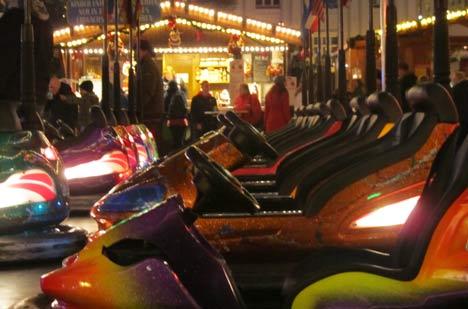 weihnachtsmarkt autoscooter