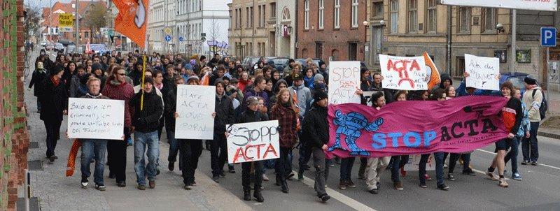 Gegen ACTA auf die Straße gehen!