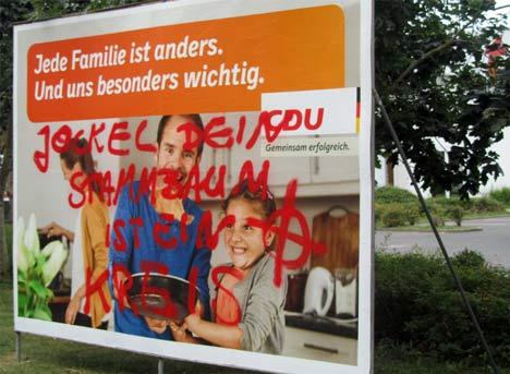Beschmiertes CDU-Wahlplakat