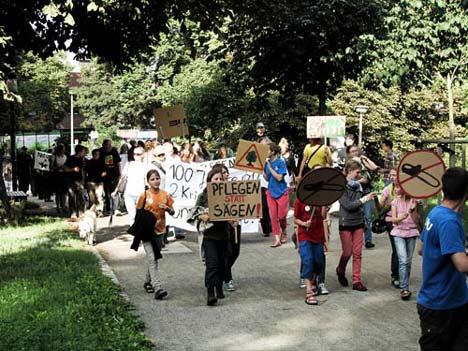 NABU-Demo gegen die Umgestaltung der Greifswalder Wallanlagen