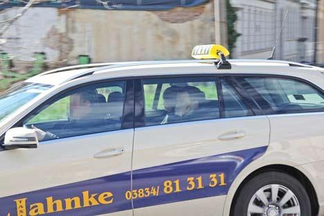 Verurteiler Neonazi auf dem Heimweg im Taxi
