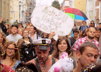 150 Elektrofans demonstrierten für Clubkultur