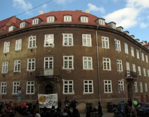 Auch das markante Haus Ecke Burgstraße / Arndtstraße ist vielleicht bedroht -- ein Investor sei bereits an dem Objekt interessiert und möchte gerne luxuriös sanieren