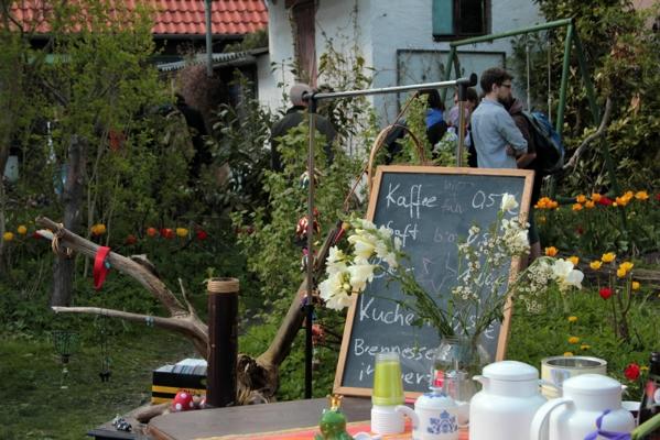 Aber auch einige Höfe und Gärten des Viertels wurden für den Flohmarkt geöffnet und zugänglich gemacht,...