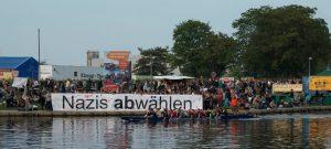 """Festgehalten: """"Nazis abwählen!"""" auf Reisen"""
