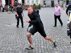 Brisantes Video dokumentiert NPD-Übergriff auf dem Greifswalder Markt