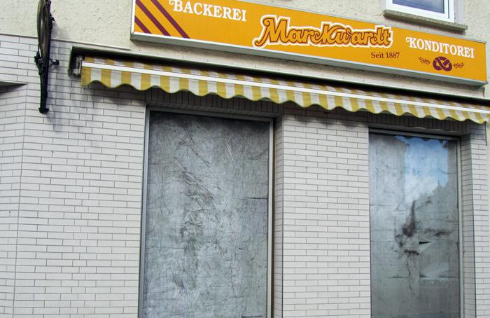 Kristina Jurotschkin fotografierte in der früheren Bäckerei alte Backbleche.