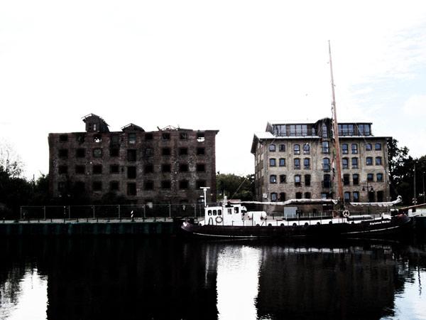 Einsturzgefährdeter Speicher im Museumshafen wird abgerissen