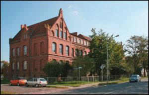 Stralsunder Straße 10, Immobilienhandel und soziale Verantwortung